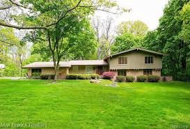 homes for sale in bloomfield hills mi
