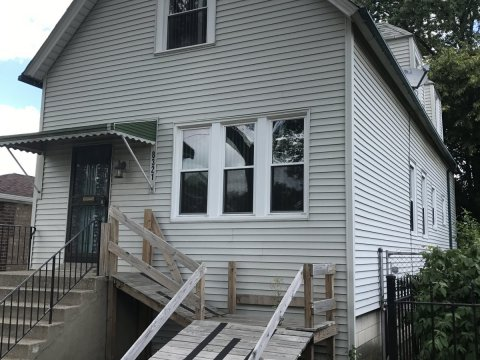 8321 S Kerfoot Ave Chicago, IL 60620