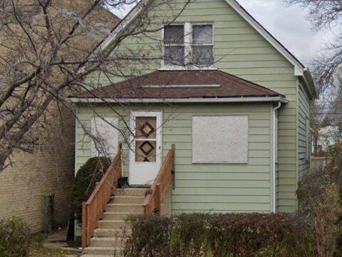 1811 dempster st, Evanston IL 60201