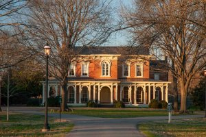 oaklands-mansion-murfreesboro-tn