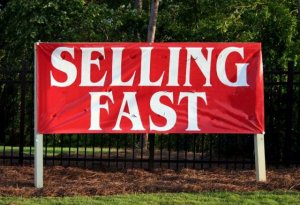 Selling Fast Sign