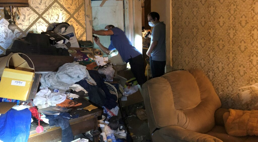 sell my hoarder house omaha