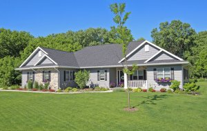 Tips For Great Curb Appeal When Selling Your House in Council Bluffs!
