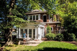 Pros and Cons of Buying Older Homes In Omaha and Omaha