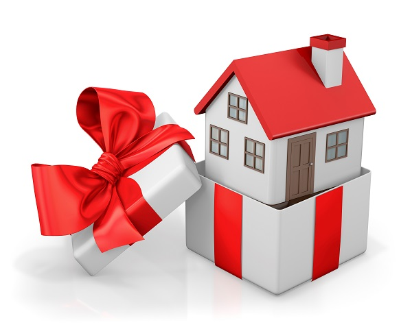 What Omaha and Council Bluffs Homebuyers Need to Know About Receiving a Down Payment as a Gift