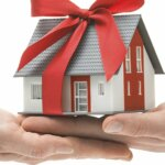 How To Gift Omaha and Council Bluffs Real Estate to Your Loved Ones This Holiday Season