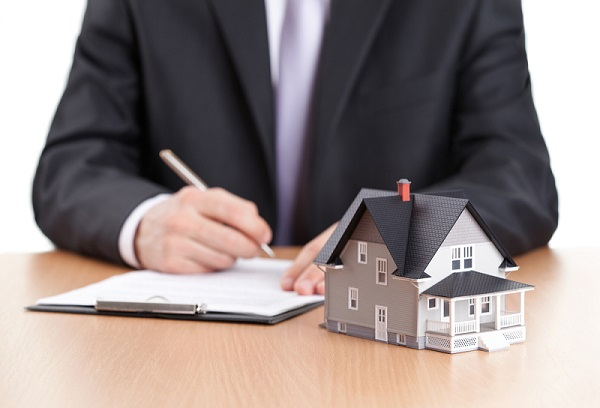 How Omaha and Council Bluffs Real Estate Agents Determine the Listing Price for Your Home