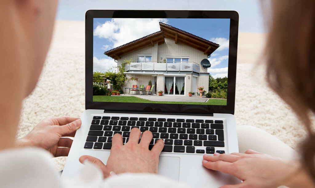 Tips to Sell a House Fast in Omaha and Council Bluffs That You're Currently Living In