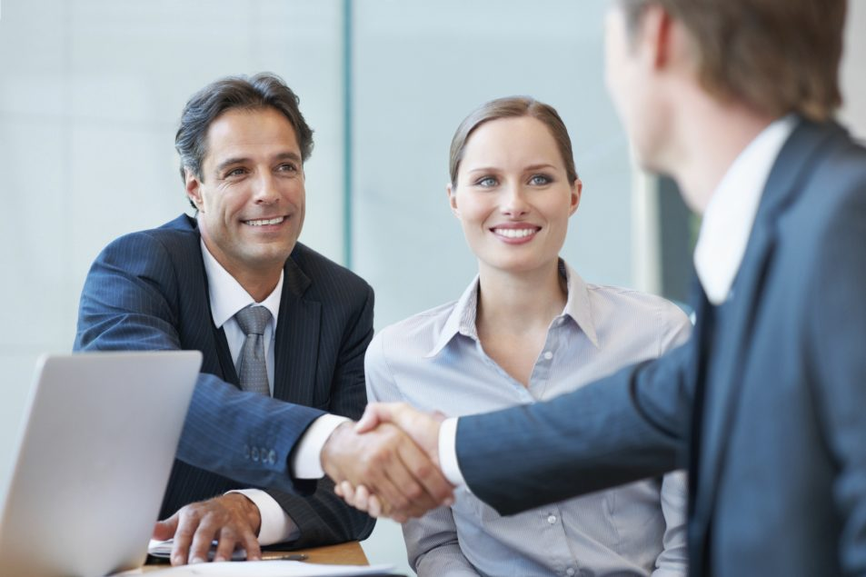 Pros and Cons of Hiring an Agent to Sell Your House Fast in Omaha and Council Bluffs
