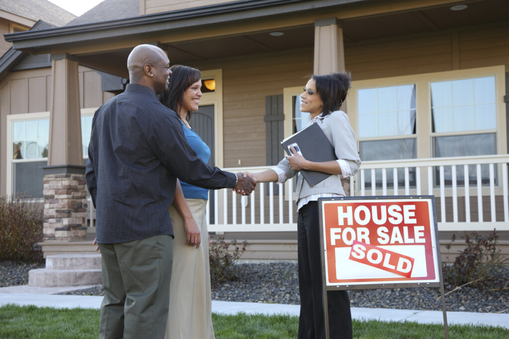 Inexpensive Ways to Improve the Curb Appeal of Your Omaha And Council Bluffs House When Listing