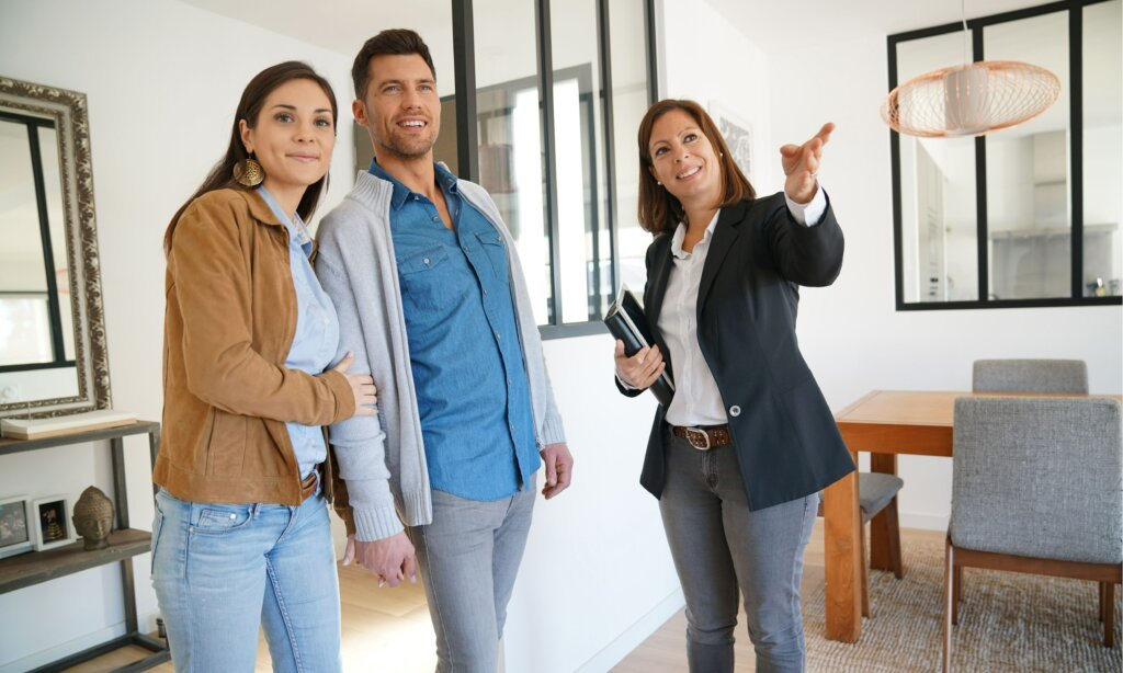 Tips To Sell Your House for the Highest Price Possible From Your Fast Omaha And Council Bluffs Agent