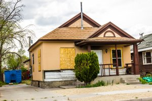 We Will Buy Your House No Matter The Condition - (310) 439-8829