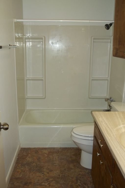 118CardinalSt-Bathroom