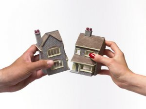 Divorce house settlement