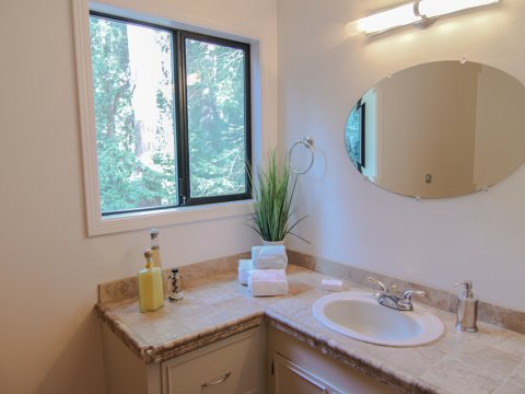 185 Waner Way, Felton, CA: Affordable Felton, CA home with a spa