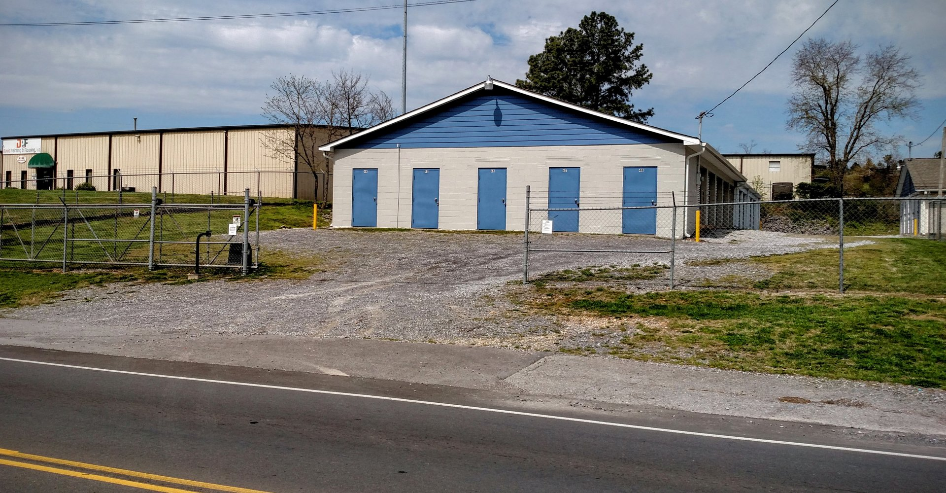 Front of 20th Street Storage