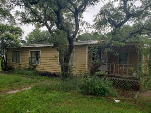 we buy houses Burnet // stop foreclosure Burnet