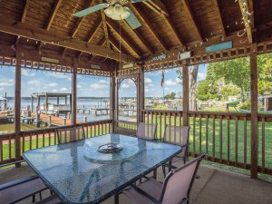 7745 Patuxent Drive, Saint Leonard - Waterfront Home Crab Shack