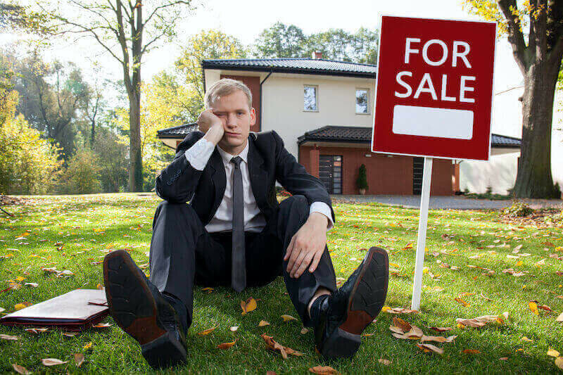 man wants to sell ugly house fast
