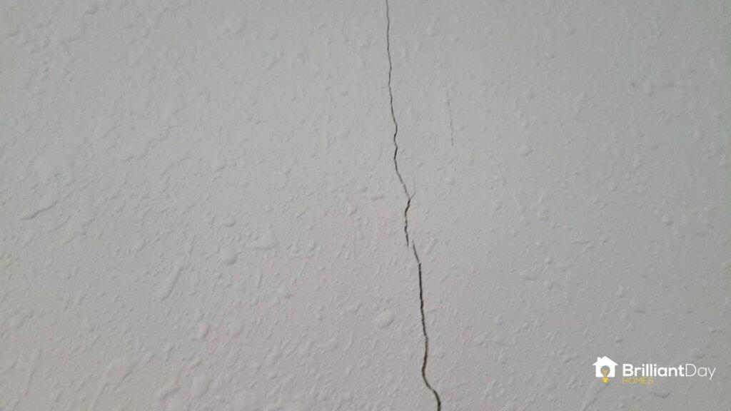 minor crack in drywall