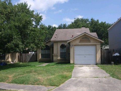 5911 Sunrise Village - Wholesale Deal in San Antonio, TX
