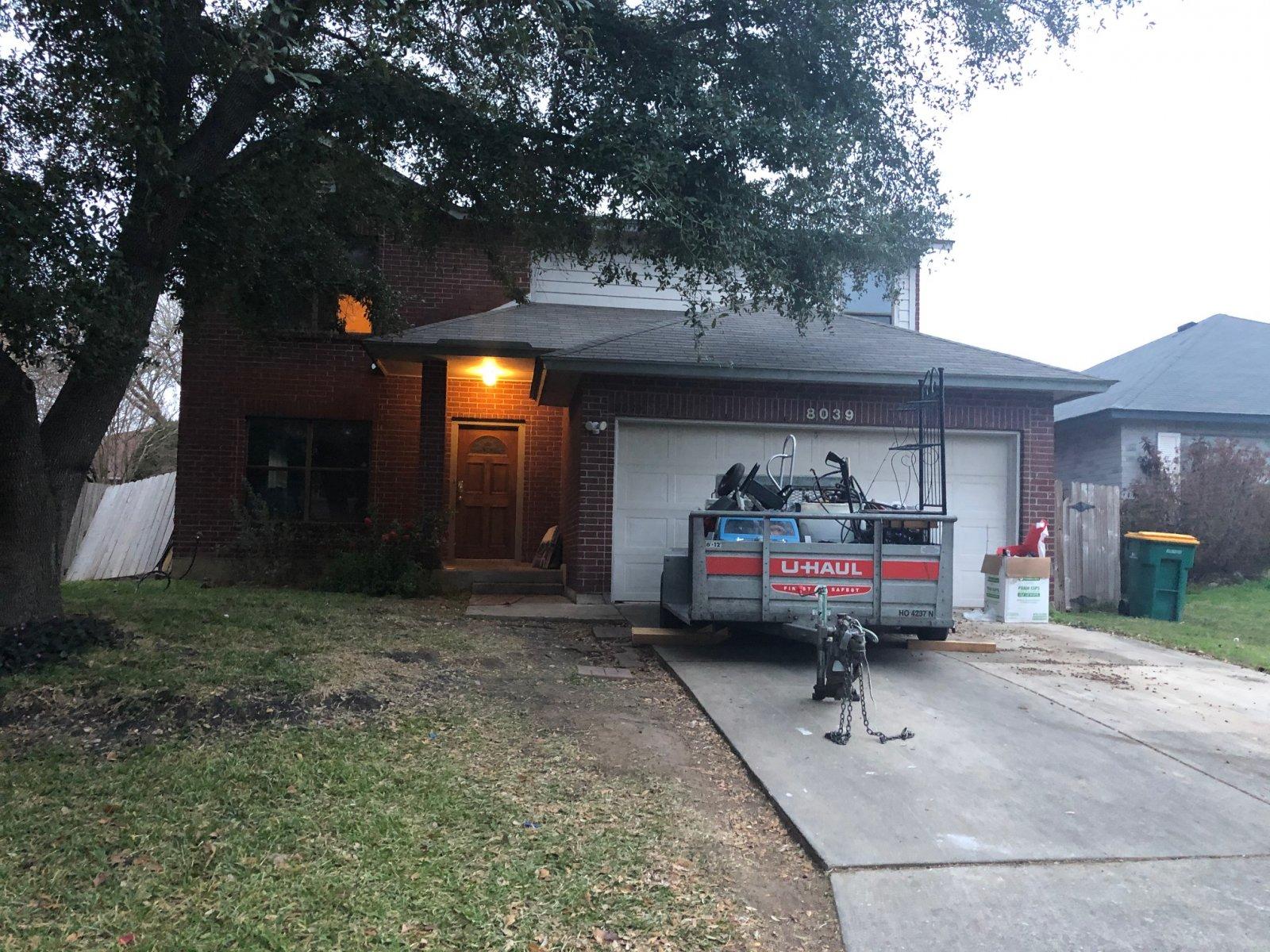 8039 Manderly Pl - Wholesale Deal in San Antonio, TX