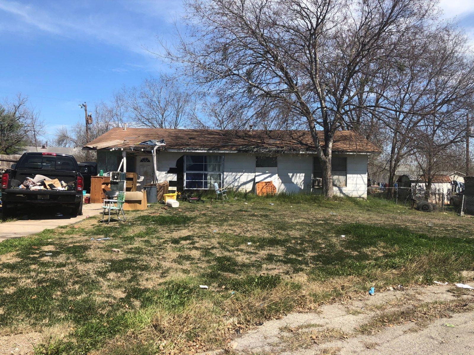 3311 Pool Dr - Wholesale Deal in San Antonio, TX