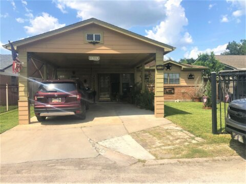 10129 Flaxman St | Hot Wholesale Deal in Houston, TX