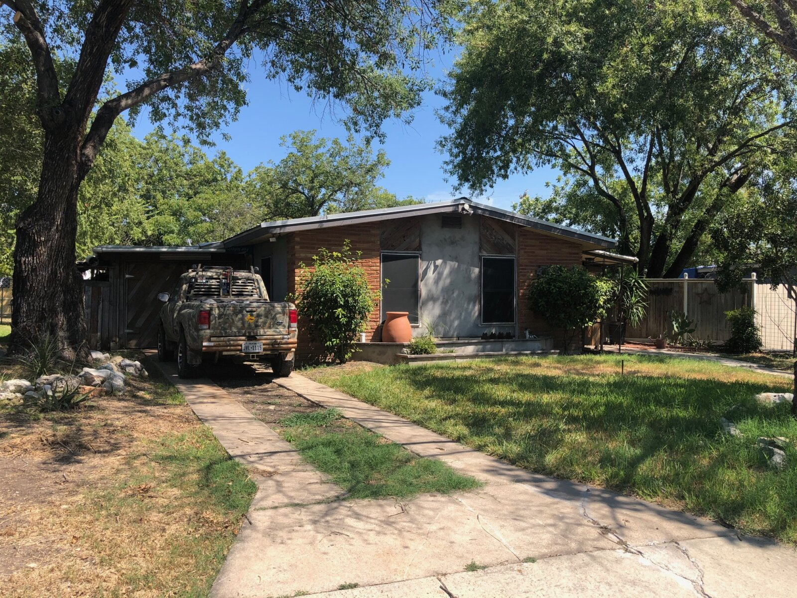 1835 Montview | HOT Wholesale Deal