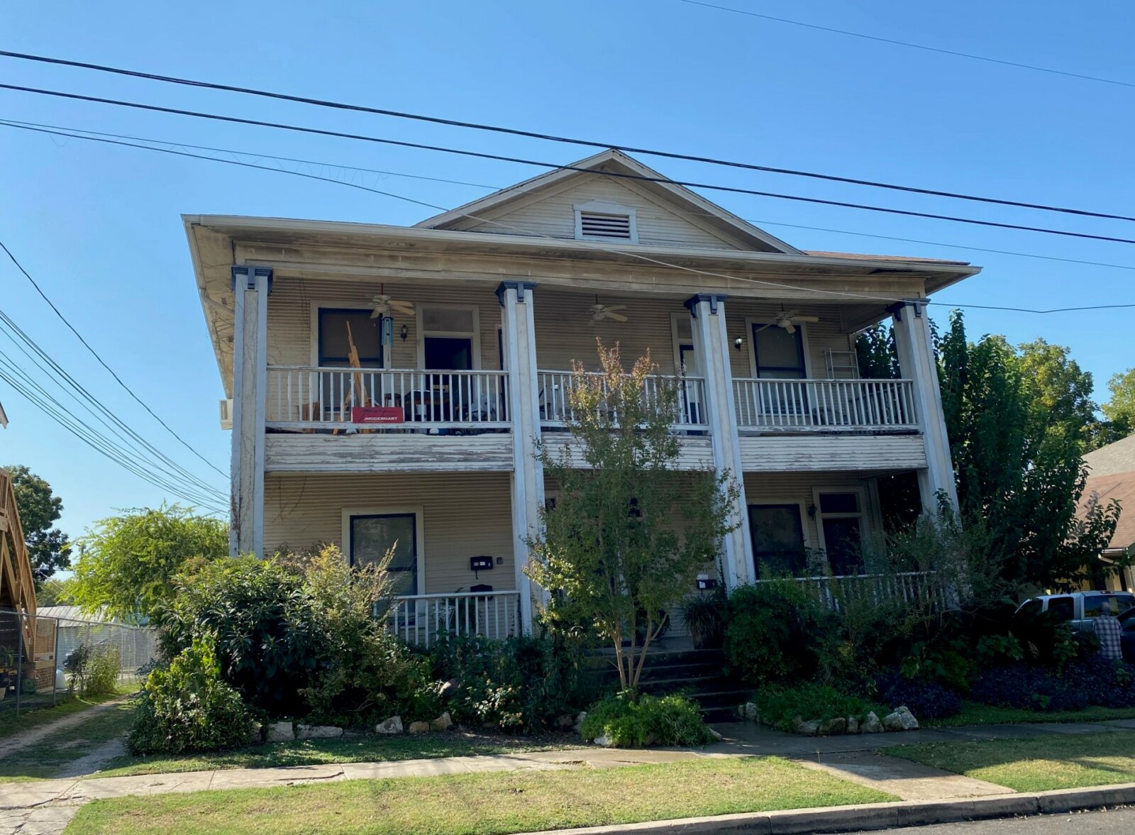 618 W Craig Pl | HOT Wholesale Deal in San Antonio, TX