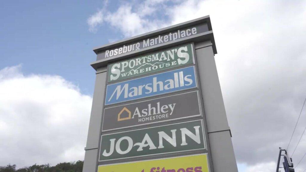 Roseburg Marketplace Sign