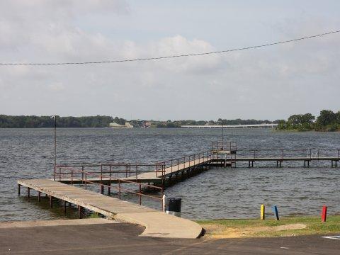 Log Cabin Estates Fishing Pier