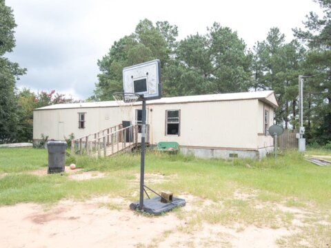 We Buy Mobile Homes - Front