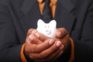 Tips to save money in Selling a home