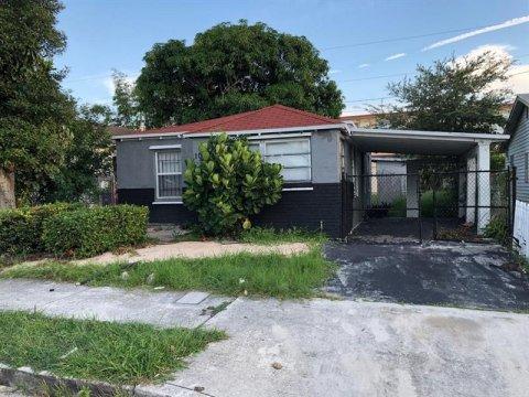 1022 17th St, West Palm Beach 33407