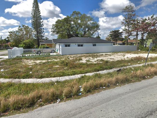 1901 NW 49 St, Miami, FL 33142