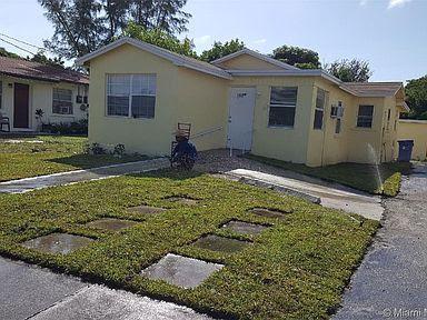 182 SW 5 Street, Deerfied Deach, FL 33441