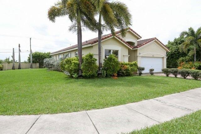 Brilliant 15572 Sw 183Rd Ln Miami Fl 33187 Usa Miami Wholesale Homes Download Free Architecture Designs Momecebritishbridgeorg