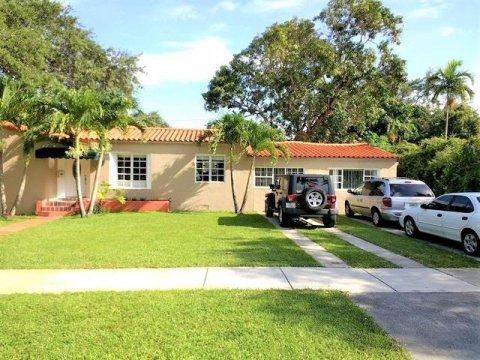 262 NE 103rd St Miami Shores, FL 33138
