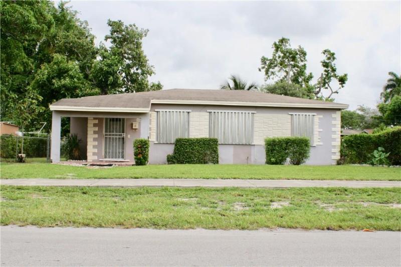 2561 NW 153rd St Miami Gardens, FL 33054
