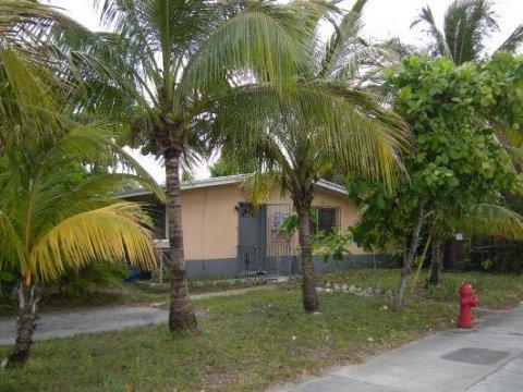 2900 Davie Blvd Fort Lauderdale, FL 33312