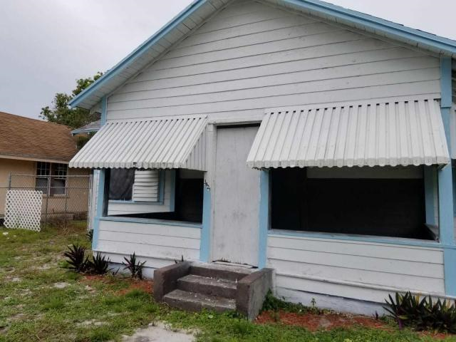 3421 Pinewood Ave West Palm Beach, FL 33407
