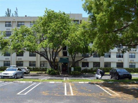 2401 Riverside Dr #506 Coral Springs, FL 33065