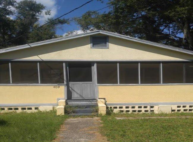 409 W Beresford Ave DeLand, FL