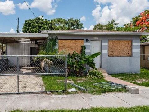 10229 SW 173rd Terrace Miami, FL 33157