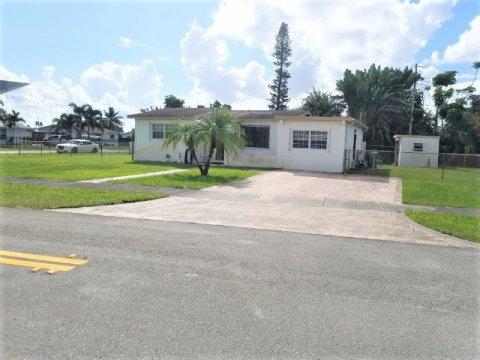 20400 NW 20th Ct Miami Gardens, FL 33056