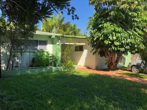 4504 Sheridan Ave Miami Beach, FL 33140