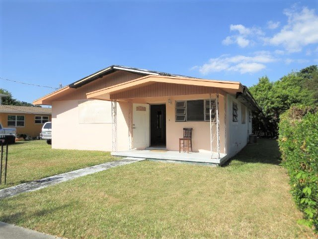 6031 SW 62nd Terrace South Miami, FL 33143