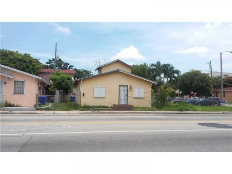 1911 NW 22nd Ave Miami, FL 33125