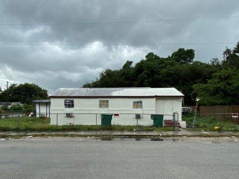 3001 NW 45th St Miami, FL 33142, USA